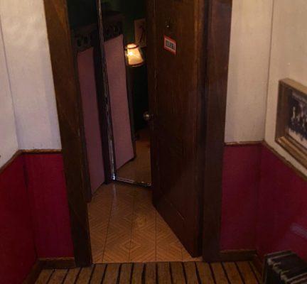 E dietro quella porta, si può immaginare tutto… un sogno fatto di minuzie che diventano grandissimi tesori.